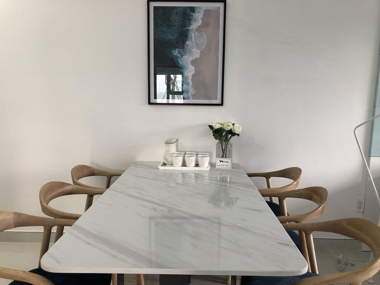 Không gian bàn ăn căn hộ Picity